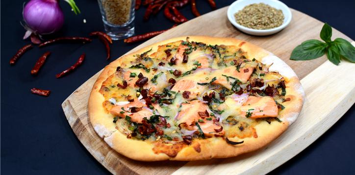 ibi_laab_salmon_pizza_1200x675-2